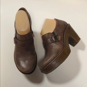 Born Haddon Brown Closed Back Platform Clogs